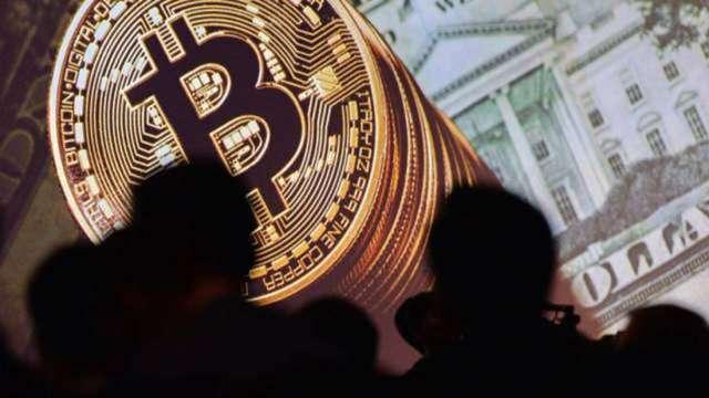 比特幣跌破3萬美元重要支撐 加密貨幣總市值24小時蒸發900億美元 (圖:AFP)