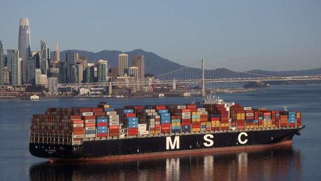 調查:2021上半年 亞洲發往美國海上貨櫃運量創高 (圖片:AFP)