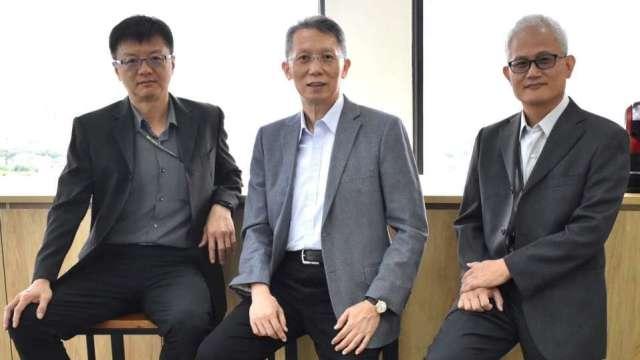圖中為汎銓董事長柳紀綸、左為營運長廖永順、右為技術長陳榮欽。(圖:業者提供)