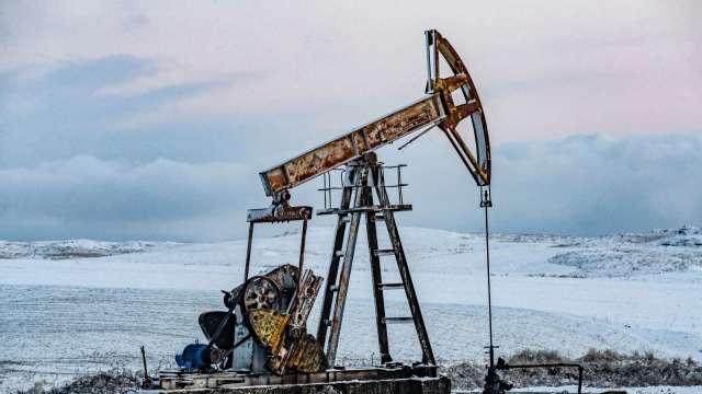 〈能源盤後〉實體市場緊繃 緩解經濟前景擔憂 原油回升1%以上 (圖片:AFP)