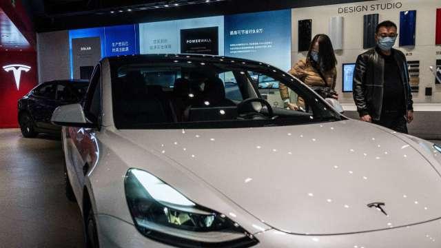 消費者報告:特斯拉自駕系統更新後仍存安全疑慮(圖片:AFP)