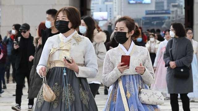 南韓新增確診連兩日創新高 嚴格防疫措施恐將延長 (圖片:AFP)