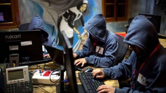 駭客網攻?Fed、微軟、亞馬遜等全美大規模網站當機。(圖片:AFP)