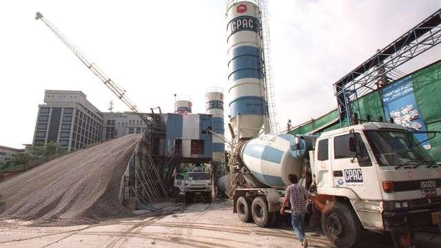 水泥業春燕到 中國南部水泥價格搶先調漲(圖片:AFP)