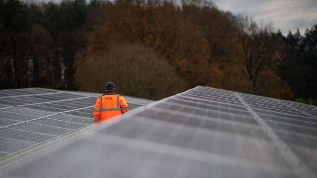 中國推動新能源儲存技術 2025年達3000萬千瓦(圖片:AFP)