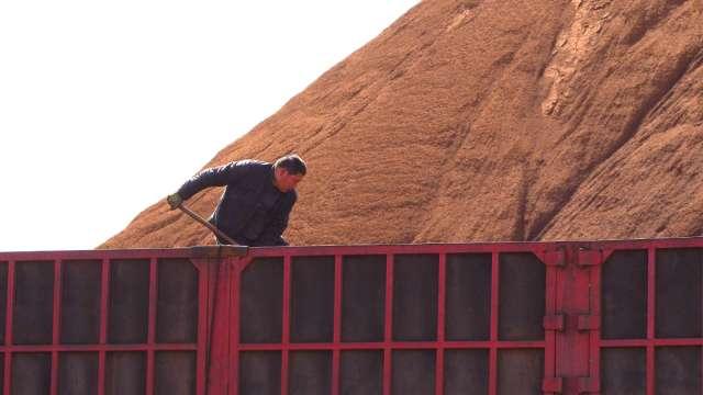 〈商品報價〉國際鐵礦石重挫逾5% 創2個月以來最大跌幅。(圖:AFP)