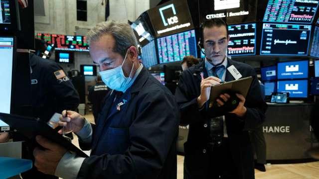 網路廣告春燕到!Snap財報後飆漲23% 推特同喜 社交媒體股笑開懷 (圖片:AFP)
