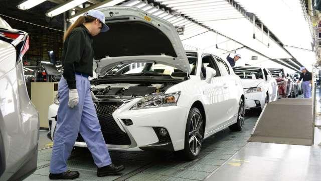 日本7月製造業PMI微幅下滑 服務業仍低於榮枯分界點 (圖片:AFP)