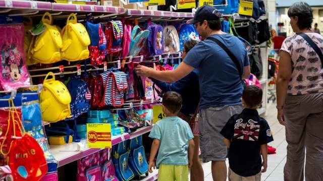 重返校園釋放壓抑需求 今年返校購物季表現可期 (圖:AFP)