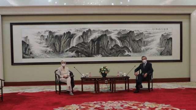 美中天津會談登場 掀敏感議題互開炮。(圖片:美國駐華大使館)