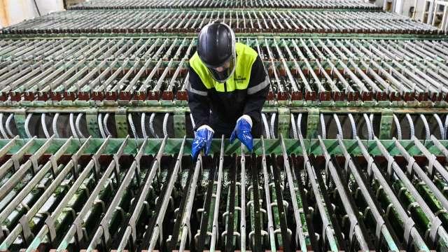 鎳金屬行情逼近7年高點 銅價飆5月以來新高 (圖片:AFP)
