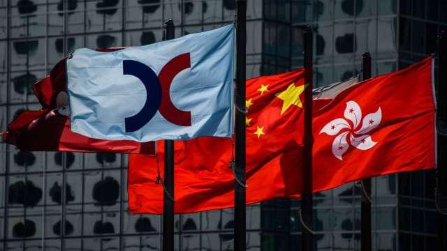 【袁志峰專欄】港股超跌,短線反彈 (圖片:AFP)
