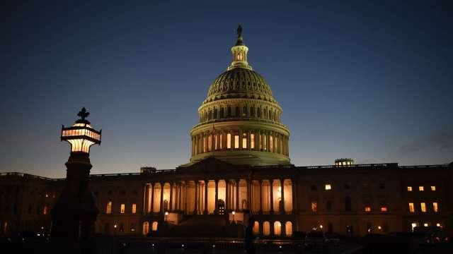 兩黨1.2兆美元基建案出爐  參院最快本週末通過 (圖片:AFP)
