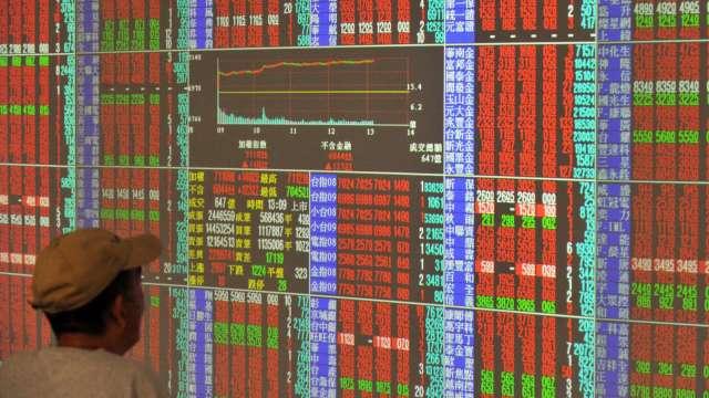 半導體雙強攻高、貨櫃三雄噴漲停 台股大漲267點收17402點收復季線。(圖:AFP)