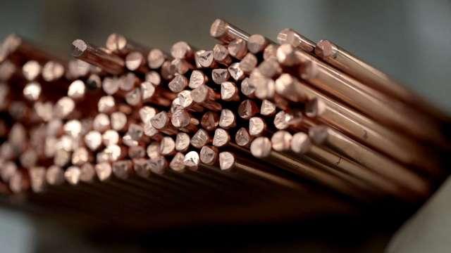 蹲低等跳高!銅價自歷史高點回落6% 再飆創新高點潛能高 (圖片:AFP)