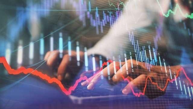 以調整週期來看航海王 以5月12日高點來看電子權值股。(圖:shutterstock)