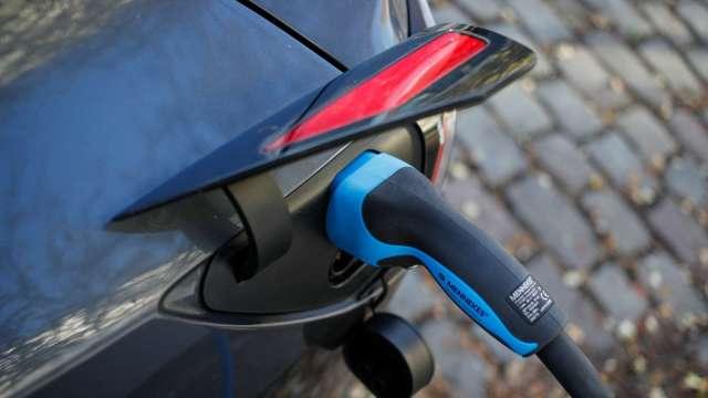 俄羅斯為促進電動車國產化 將推購車補助、最高約24萬元 (圖片:AFP)