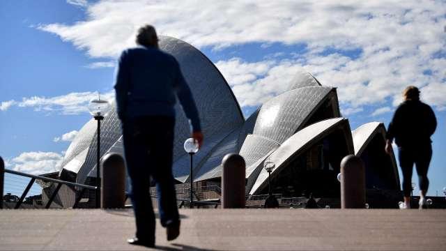 雪梨單日新增確診創高 封城近6週仍不見成效 (圖片:AFP)