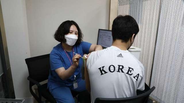 南韓擬注資2.2兆韓元 力拼成為全球最大疫苗生產國之一 (圖:AFP)