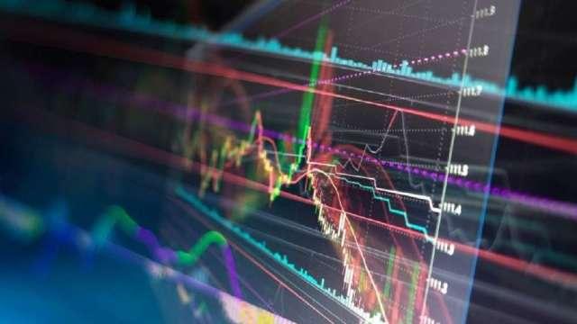 Fed將減少購債 資金聚焦籌碼優勢中小型股?(圖:shutterstock)