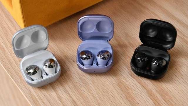 三星將推低價新款Galaxy Buds 2 挑戰蘋果AirPods 3(圖片:AFP)