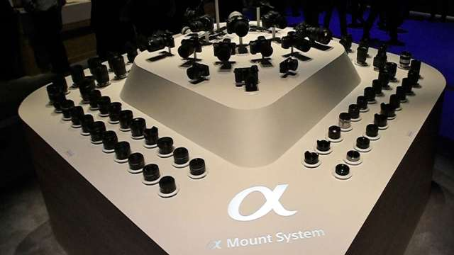 A接環相機將走入歷史? 日本Sony Store下架α99II (圖片:AFP)
