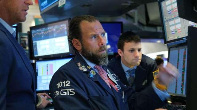 知名大空頭警告:市場進入風險階段 散戶小心被割韭菜 (圖片:AFP)
