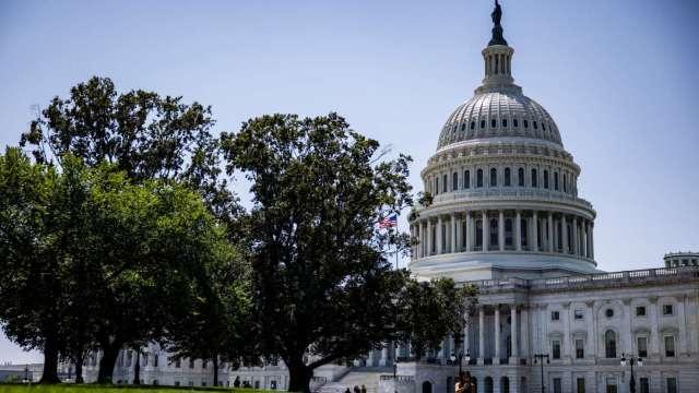 拜登經濟議程邁大步 美國參議院兩黨1兆基建法案過關(圖片:AFP)