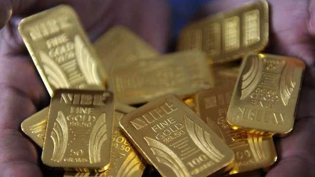 埃及富豪:股市不知何時就會崩跌 投資黃金是個好選擇(圖:AFP)