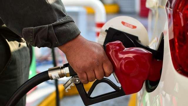 美汽油價「升升不息」 白宮呼籲OPEC+擴大增產  (圖:AFP)