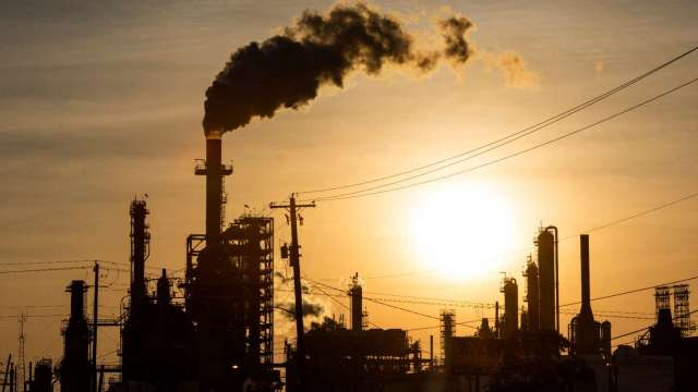 Delta變種病毒肆虐  IEA下調石油需求預估(圖片:AFP)