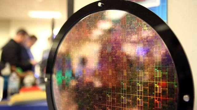 英國晶片大廠NWF在中資收購後 與美企合作戛然而止(圖片:AFP)