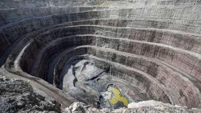 電動車潮流掀鎳礦爭奪戰 必和必拓、Fortescue兩大礦商拔刀相向(圖:AFP)