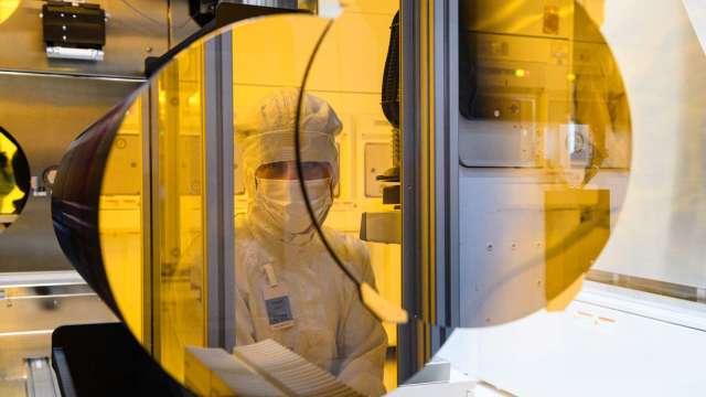 晶片荒雪上加霜 意法半導體、英飛凌已關閉馬國工廠 (圖片:AFP)