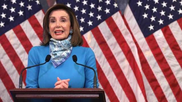 民主黨內部擺不平 佩洛西「基建案綁預算立法」表決改期 (圖:AFP)