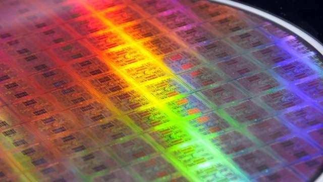 信越化學矽利光價格調漲1到2成 部分產品漲幅超過20% (圖片:AFP)