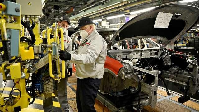 調查:疫情衝擊各產業供應鏈 汽車業打擊最大(圖片:AFP)