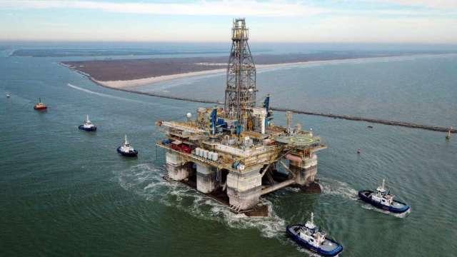墨西哥灣颶風擔憂推高油價 石油公司正撤離工人(圖:AFP)