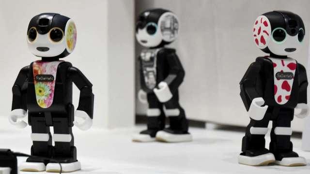 夏普攜手名古屋大學 盼利用機器人改善交通安全 (圖片:AFP)