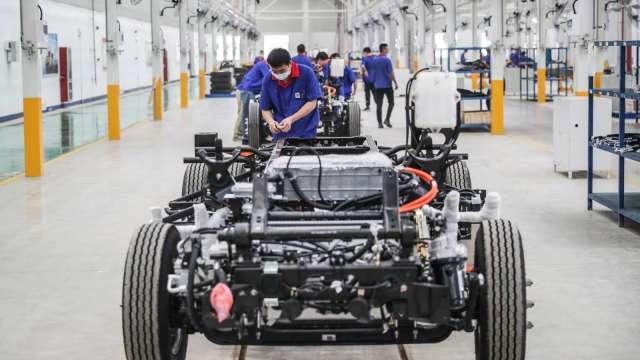 分散產能布局 評估在歐美設輪胎製造廠。(圖:AFP)