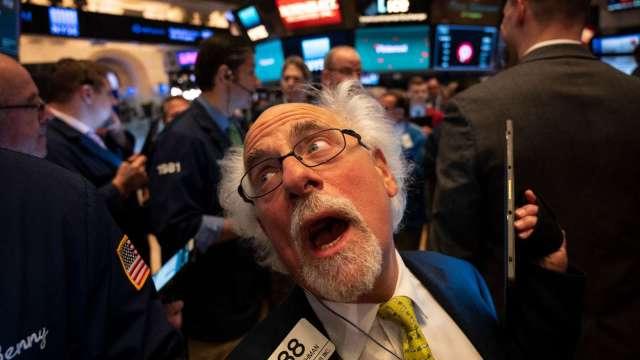 不只能源股颳大風!艾達颶風衝擊股市 化工股蓄勢待發 (圖片:AFP)