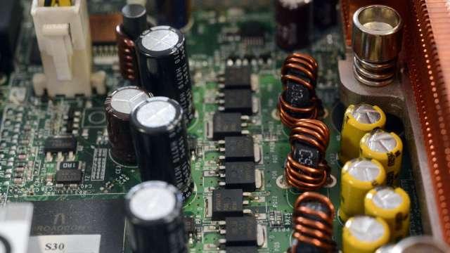 日本6月電子零件出貨額年增32% 連10月增長 (圖片:AFP)