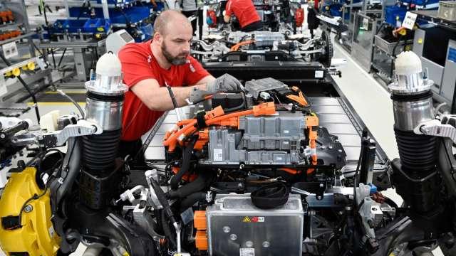 〈矽力法說〉車用貢獻較預期低 看好未來2-3年成長動能。(圖:AFP)