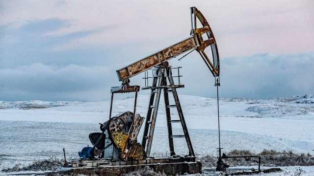 〈能源盤後〉OPEC+堅守原定計畫 WTI小漲 Brent小跌 (圖片:AFP)
