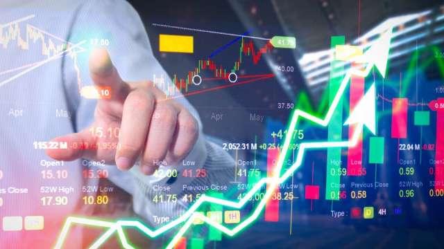航運股資金比重大降 市場資金流向透露航海王危機。(圖:shutterstock)