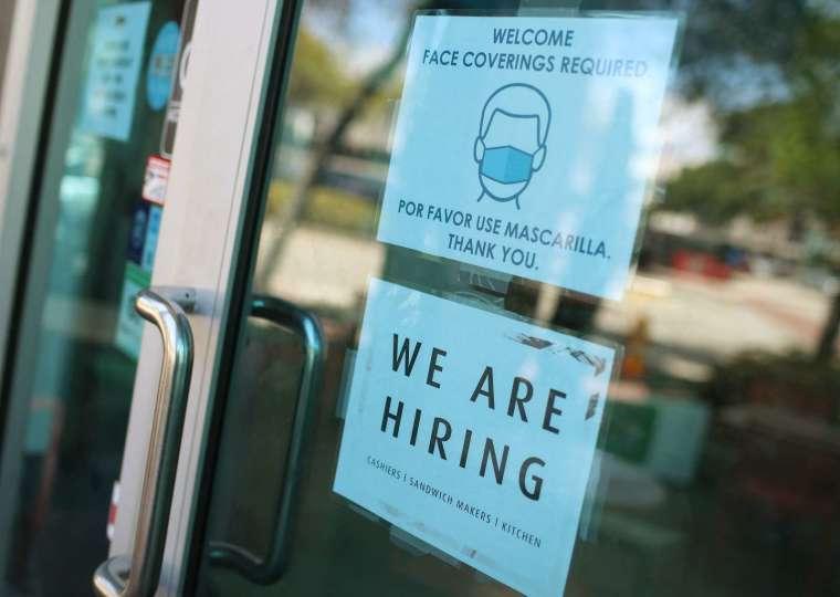 美國休閒旅遊業8月新增就業掛零,餐廳服務領域減少。圖:AFP