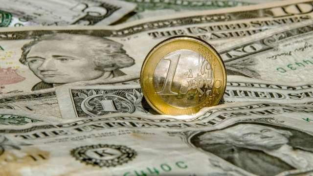 投機者繼續減碼歐元多頭 至約3年前水準(圖:AFP)