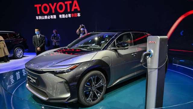 Toyota宣布2030年前在電動車用電池投資1.5兆日圓 (圖片:AFP)