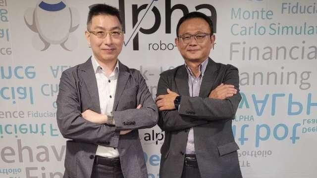 阿爾發投顧董事長陳志彥(右)、總經理陳敏宏(左)。(圖:阿爾發投顧提供)