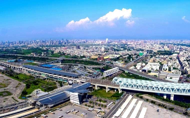 台中高鐵特區擁三鐵共構優勢,交通網絡暢旺,吸引產官學界持續加碼投資。(圖: 業者提供)